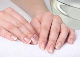 Нормальный цвет ногтей